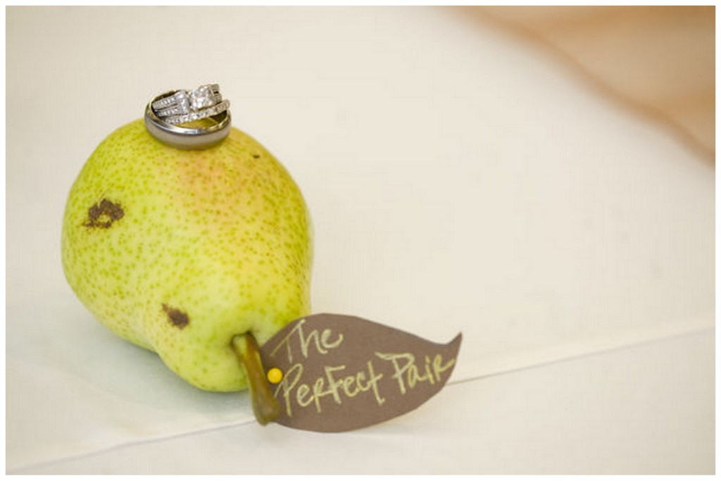 Pear Wedding Details | SouthBound Bride